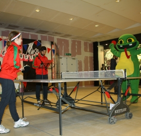 Playing ping pong with Big Lizard
